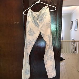 American eagle jeggings size 2. Stretchy